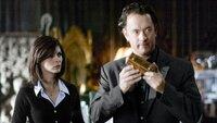 Symbologe Robert Langdon (Tom Hanks) und Kryptologin der Pariser Polizei Sophie Neveu (Audrey Tautou) finden ein Kryptex, das wohl einen Hinweis zur Aufklärung des Mordfalls am Pariser Louvre enthalten soll.