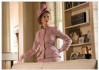 Helen Mirren (Hedda Hopper).
