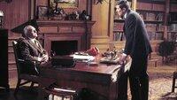 M (Bernard Lee, l.), James Bond (George Lazenby)