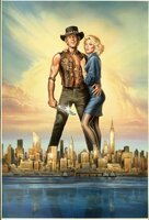 Mick Dundee (Pual Hogan, l.) ist aus Liebe zur schönen Journalistin Sue (Linda Kozlowski, r.) in New York geblieben. Doch langsam aber sicher beginnt er sich zu langweilen ...