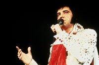 """Am 31. Juli 1970 kehrte Elvis Presley nach fast zehnjähriger Pause auf die Bühne zurück. Seine Konzertreihe in Las Vegas, Nevada, brach alle Box-Office-Rekorde und gab der Karriere des """"King of Rock'n'Roll"""" neuen Auftrieb."""