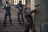Kämpft gegen die skrupellose Regierung: die Rebellenkämpferin Melina (Jessica Biel, r.) ...