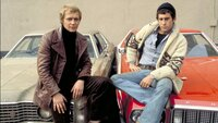 Im Einsatz für Recht und Ordnung auf Großstadtstraßen: Die beiden Undercover-Cops Dave Starsky (Paul Michael Glaser, r.) und Ken Hutchinson (David Soul), Hutch genannt.