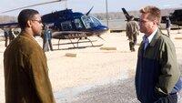 Special Agent Doug Carlin (Denzel Washington, li.) und Agent Pryzwarra (Val Kilmer)