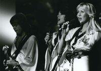 ABBA: Bis heute hat die schwedische Band, die aus zwei Liebespaaren - Björn und Agnetha und Anni-Frid und Benny - bestand, weit mehr als 300 Millionen Platten verkauft.