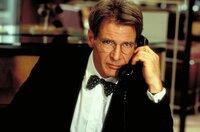 Linus Larrabee (Harrison Ford)