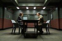 Kristen Bouchard (Katja Herbers, l.); Orson LeRoux (Darren Pettie, r.)