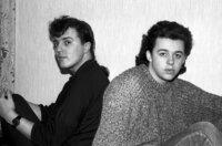 Die Band Tears for Fears, gegründet von Curt Smith (li.) und Roland Orzabal (re.), wurde anfangs der New-Wave-Bewegung zugerechnet.