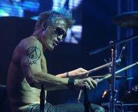 Drummer Joe (Dolph Lundgren) spielt mit seiner Rockband bei einem Benefizkonzert in Moskau im Vorprogramm der berühmten US-Sängerin Venus. Da passiert etwas Schreckliches ...