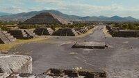 Die weltberühmte Sonnenpyramide in Teotihuacán ist eine der größten Pyramiden der Welt.