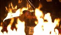 In letzter Sekunde kann Lorraine (Maria Bello) sich aus der Feuerfalle ihres Entführers befreien