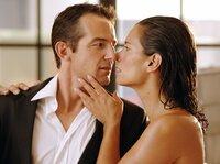 Juliane (Sandra Speichert) will Ben (Hans-Werner Meyer) heiraten, doch er ist bereits mit seiner Arbeit verheiratet.