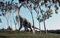 Genetiker haben für einen Freizeitpark die Dinosaurier wieder auferstehen lassen. Doch die Begeisterung hält nicht lange: Die Dinos werden zur tödlichen Bedrohung.