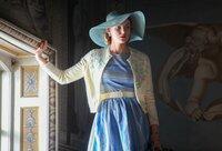 Ellie (Joanna Vanderham).