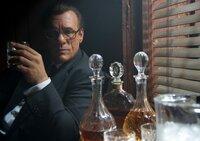 Der mächtige Mafiaboss Leonard Merks (Robert Davi) ist immer auf der Suche nach willigen Handlangern, die auch vor Mord nicht zurückschrecken,