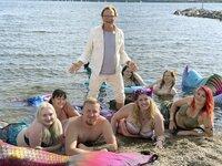 """Lippi entdeckt entzückende Meerjungfrauen, die zum ersten Mal im Leipziger Neuseenland auftauchen. Und ein """"Meermann"""" ist auch dabei."""