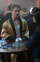 Logan (Matt Czuchry, l.) möchte gerne eine offene Beziehung mit Rory (Alexis Bledel, r.) führen. Doch für diese, scheint das gar nicht okay zu sein ...