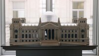 Ein Modell des Reichtags, das in der Lobby des Reichstags platziert ist.