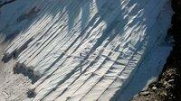 Der Gurschengletscher oberhalb von Andermatt wird im Sommer mit Vlies abgedeckt. So soll das Abschmelzen verhindert werden.