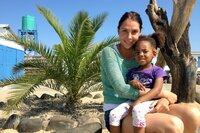 Lynn und ihre Adoptivtochter Joey wohnen im einsamen namibischen Küstenort Wlotzkasbaken.