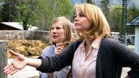 Hanna (Anette Frier) glaubt, für ihre Tochter Beate (Anna Drexler, li.) alles entscheiden zu müssen.