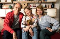 Hanna (Anette Frier) und Christian Spengler (Martin Brambach) sorgen sich liebevoll um ihre geistig behinderte Tochter Beate (Anna Drexler, Mitte).