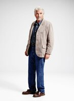 James Brolin as John in Life in Pieces on the CBS Television Network. Photo: Smallz & Raskind/CBS © 2015 CBS Broadcasting Inc. All Rights Reserved.