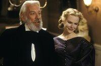 Ada (Nicole Kidman, r.) und ihr Vater, der Pfarrer Monroe (Donald Sutherland, l.), stehen sich sehr nahe.