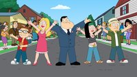 Vorne, l-r: Klaus, Steve, Francine, Stan, Hayley und Jeff
