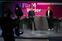 """Dunja Hayali und Andreas Wunn moderieren """"Für & Wider - Die ZDF-Wahlduelle""""."""