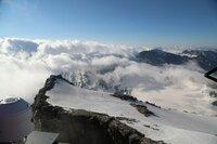 Die Alpen sind besonders vom Klimawandel betroffen. Die Temperaturen stiegen in den letzten hundert Jahren um knapp zwei Prozent allein in den Ostalpen. Klimasimulationen gehen davon aus, dass bis Ende des Jahrhunderts bis zu 3,5 Grad sein können. (Quelle. ZAMG Wien).