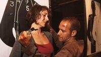 Semir (Erdogan Atalay) befreit die von Gregor gepeinigte Simone (Sandra Ira Nedeleff).