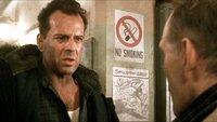 John McClane (Bruce Willis) will seine Frau Bonnie am Flughafen von Washington abholen. Doch ausgerechnet jetzt übernimmt eine Gruppe Terroristen unter der Leitung von Colonel Stuart die Kontrolle über den Tower.