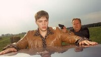 Erwischt: Kommissar Kehler (Wolfgang Bathke, re.) verhaftet Fabian (Patrick Heinrich) nach dessen Fluchtversuch.Was hat der junge Mann zu verbergen?