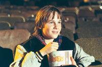 Danny Madigan (Austin O`Brien) ist ein riesiger Actionfilm-Fan. Sein Idol ist Jack Slater, ein cooler Polizist, der in seinen Filmen den Bösewichten das Handwerk legt. Doch plötzlich findet sich der Junge inmitten eines der fiktiven Actionfilme wieder. Seite an Seite mit seinem Idol Jack nimmt Danny den Kampf gegen den Schurken Benedict auf ...