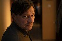 Im Laufe seiner Ermittlungen bekommt es der Polizist Adrin Erlacher (Harald Windisch) mit der Mafia zu tun. Damit begibt er sich in größte Lebensgefahr.