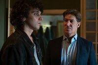 """Der südtiroler Winzer Matteo DeCanin (Tobias Moretti, r.) lässt sich von einem """"Nachwuchs""""-Mafioso wie Enzo Alto (Nicolas Orzella, l.) nichts sagen."""