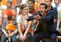 Endlich ist Hanna (Lisa Martinek, Mitte) davon überzeugt, dass Ben (Hans-Werner Meyer, re.) tatsächlich Verantwortung für ihre Familie übernimmt.