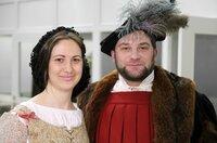 Um herauszufinden, wie ein Paar damals lebte, vergleichen die Verlobten Heidrun und Thomas die Hochzeitsvorbereitung vor 500 Jahren mit heute.