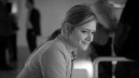Isabelle (Julia Jentsch) am 11.09.2001 in der Galerie, Jakob ist plötzlich aufgetaucht.