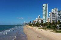 Recife liegt am Atlantik im Nordosten Brasiliens und ist eine der lebendigsten Städte des Landes.