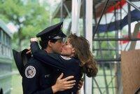 Gegensätze ziehen sich an: Mahoney (Steve Guttenberg, l.) und Karen Thompson (Kim Cattrall, r.) haben sich gefunden...