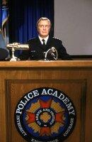Hält die Police Acadamy-Truppe zusammen: Kommandant Lassard (George Gaynes) ...