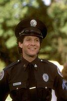 Gibt alles, um die mögliche Schließung der Police Acadamy zu verhindern: Sergeant Mahoney (Steve Guttenberg) ...