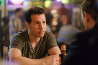 Jon Seda (Antonio Dawson).