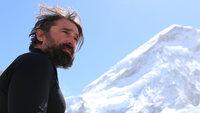 Ein Mann, ein Berg: Ant Middelton versucht, den Mount Everest, zu erklimmen. Dabei bekommt er auch die extremen und unvorhersehbaren Bedingungen am höchsten Berg der Erde zu spüren.