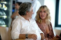 Philippe (Christian Clavier), Carole (Mathilde Seigner)
