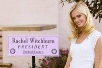 Die selbstverliebte Rachel (Sara Paxton) regiert mit eiserner Hand über ihre Kommilitoninnen - vor allem zu ihren eigenen Gunsten ...