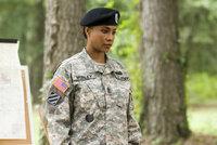 Der toughe Sergeant Louisa Morley (Vivica A. Fox) hat von Anfang an das Hollywood Starlet Megan Valentine im Visier und wird keine Fehler dulden ...
