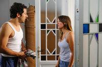 Am Morgen danach kommt Birgit (Carolin Kebekus, r.) Daniel (Fahri Yardim, l.) auf die Schliche... Fliegt jetzt alles auf?
